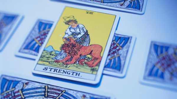 A Quick Guide to Reading Tarot's Most Iconic Cards